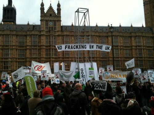 no-fracking-outside-parliament_0.jpg